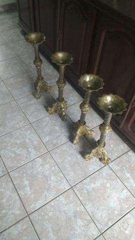 04 castiçais de bronze R$500,00