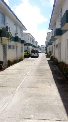 Vendo Excelente Duplex em Condomínio Fechado Próximo a Universidade Federal - Foto 2