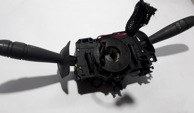 Chave de seta /limpador dianteiro/traseiro Renault clio 04/12 - Foto 4