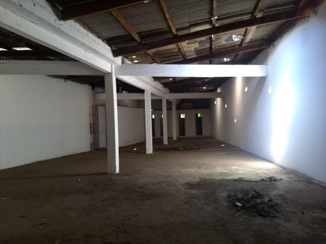 Depósito na Av. Ubaitaba - Foto 2