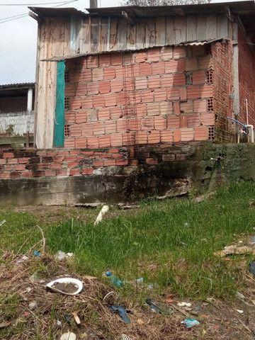 Armando Mendes casa com dois cômodos e banheiro, na Rua P - Foto 3