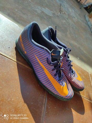 Vende-se chuteira Nike mercurialX (N°44) - Foto 2