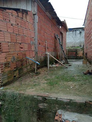 Armando Mendes casa com dois cômodos e banheiro, na Rua P - Foto 2