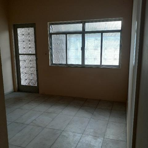 Apartamento 01 Quarto, Sala, Estacionamento em Irajá - Próximo ao Mundial de Irajá