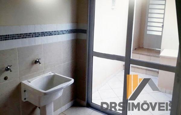 Casa sobrado em condomínio com 3 quartos no condomínio royal forest & resort - bairro roya - Foto 9