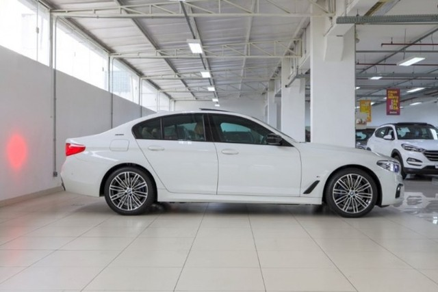 BMW 530E 2.0 Turbo iPerformance (Plug-in Hybrid) 2019  - Foto 6