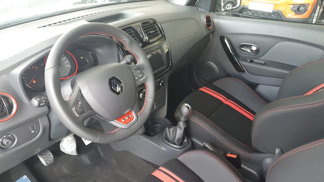 Renault Sandero RS 2.0 Ent. De R$ 23.250,00 + 48X DE R$ 1.278,00 + parcela final - Foto 3