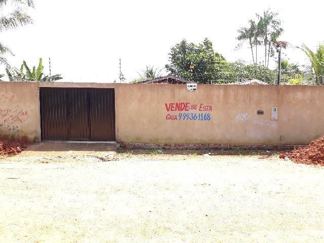 vende-se casa na sobral bairro plácido de castro. em frente à praça
