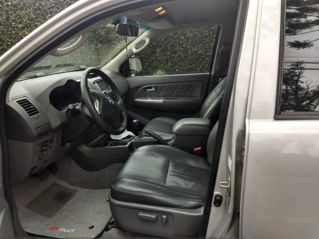 Toyota Hilux 3.0 SRV 4X4 CD 16v Turbo Itercooler, 171cv, cor prata, ano 2012 - Foto 8