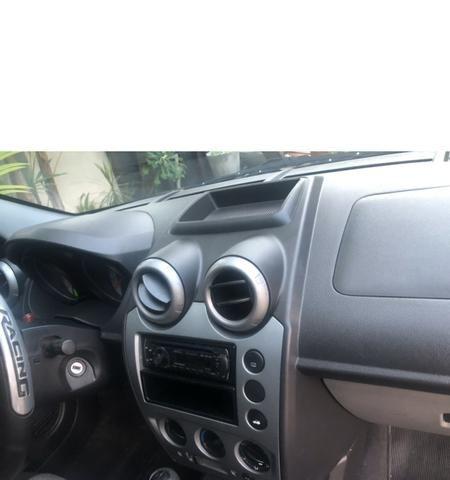Fiesta sedan 1.6 completo 09/09 - Foto 5