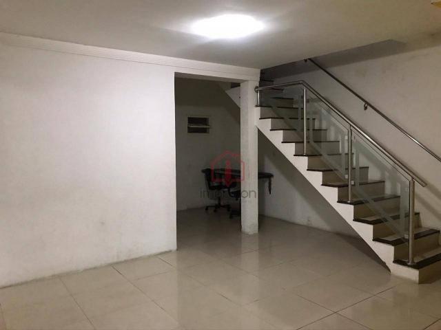 OPORTUNIDADE: Casa de 2 Pavimentos com 4 dormitórios (1 suíte) à Venda, 192 m² por R$ 280. - Foto 8