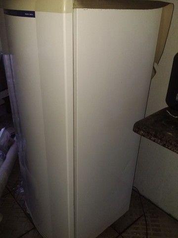 Geladeira 300 litros  eletrolux  - Foto 2