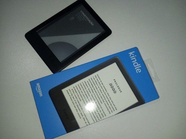 Kindle 10a. geração com bateria de longa duração - Cor Preta - Foto 4