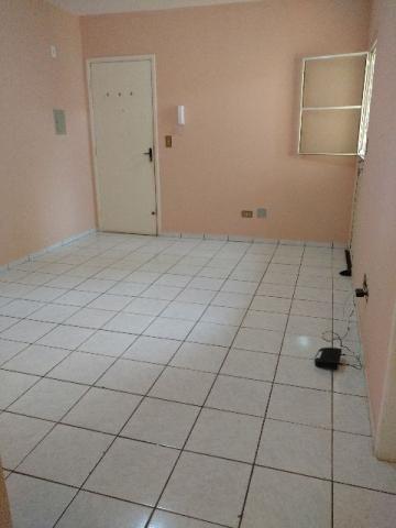 Apartamento na Av. Três Barras, prox. Zahran