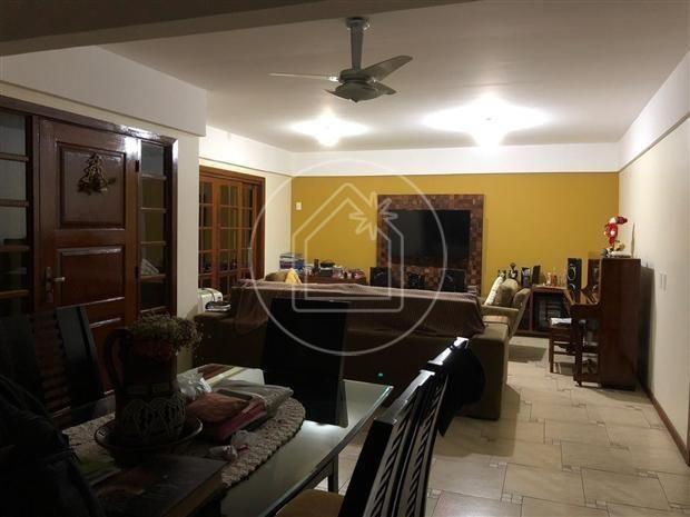 Linda sala 4 quartos ( 3 suítes + closets ) 4 vagas com piscina - Maravista - Foto 2