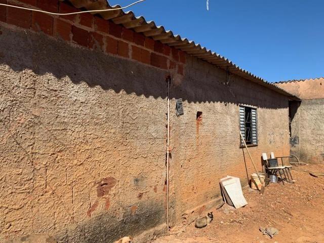 Casa 2 quartos, lote de esquina, QR 1029, próximo ao terminal rodoviário, Samambaia - Foto 4