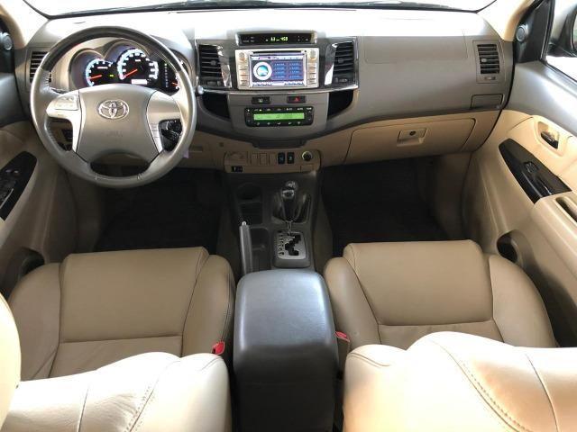 Toyota Hilux SW4 SRV_3.0D4-D_AUT._4X4_7LgareS_ExtrANoA_LacradAOriginaL_RevisadA - Foto 7