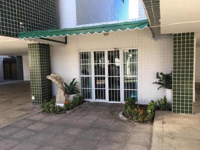Apartamento em Olinda, 3 quartos sendo 1 suite, varanda, área de lazer, nascente - Foto 16