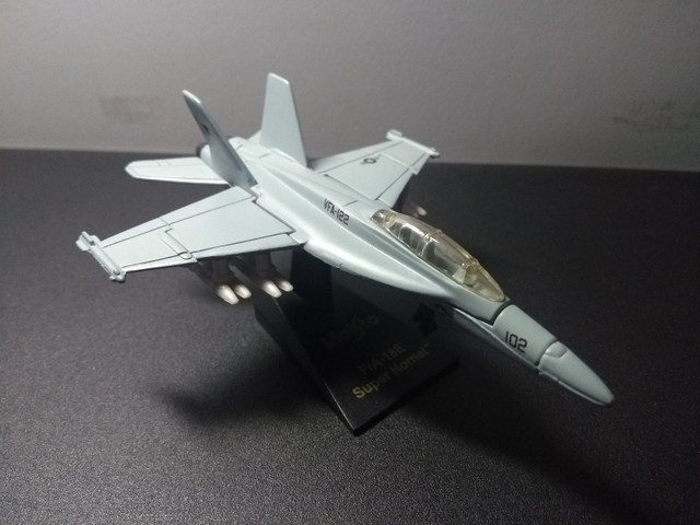 Miniatura Caça Super Hornet - Foto 3