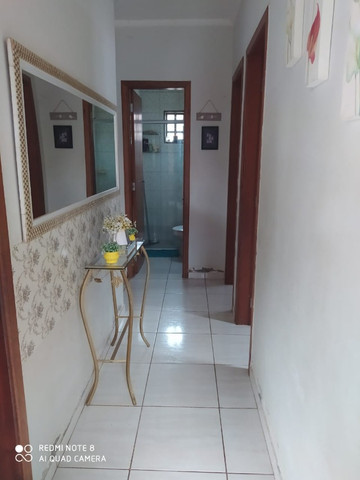 Casa 01 suite e 02 quartos terreno amplo com edícula