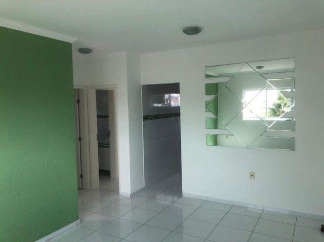 Apartamento com 2 dormitórios para alugar, 68 m² por R$ 1.100,00/mês - Bancários