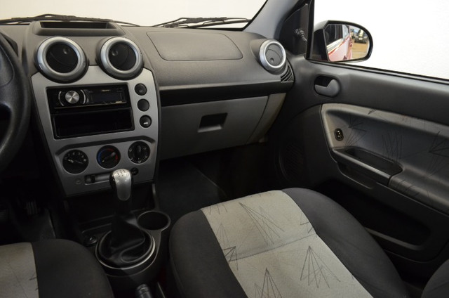 Fiesta Class 1.6 - completo - vermelho - ano 2009 - Foto 13