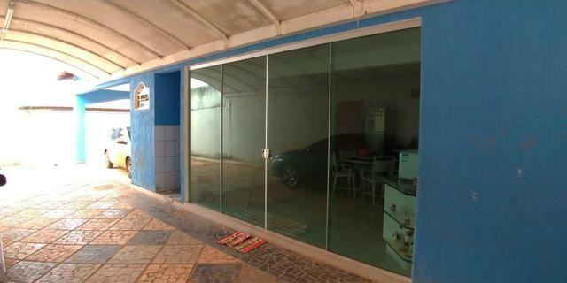 Casa 4 quartos | Piscina e ampla espaço de garagem | R$ 750 mil