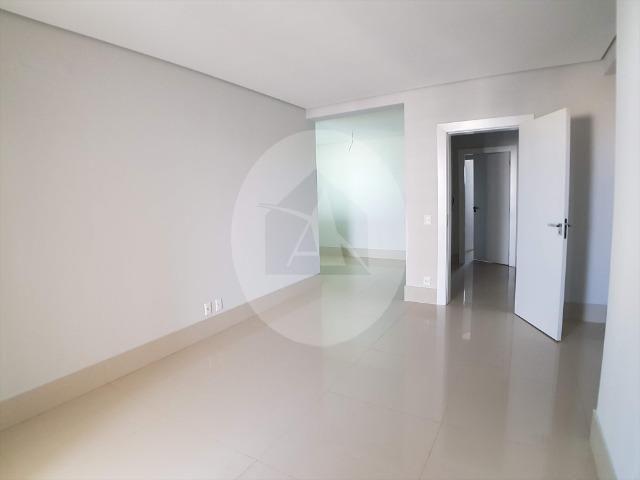 Apartamento duplex com 5 suítes sendo 1 master no Edifício Glam - Bairro Duque de Caxias - Foto 9