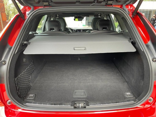 Volvo Xc60 2.0 T8 Hybrid R-Design Awd Geartronic / Único dono! Apenas 19mil Km! - Foto 18
