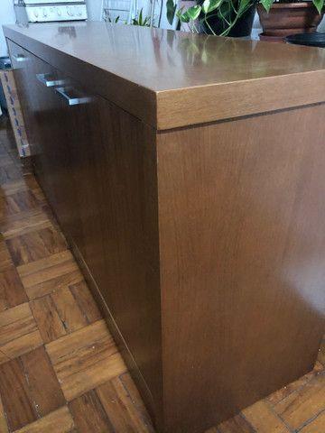Rack em madeira maciça 3 portas - Foto 4