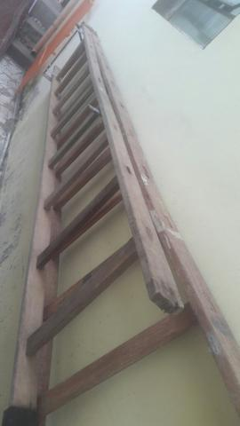 Escada d 2,5 m