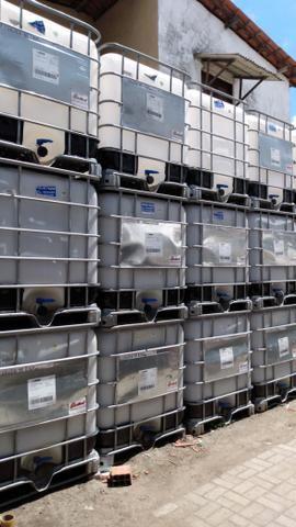 Vendo caixas plásticas de 1.000 litros semi novas - Foto 3