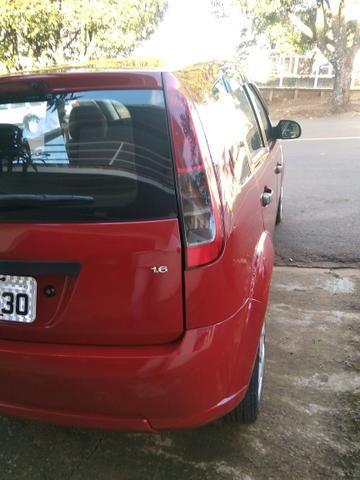 Fiesta Hatch1.6 completo (barbada) abaixo da tabela fipe - Foto 4
