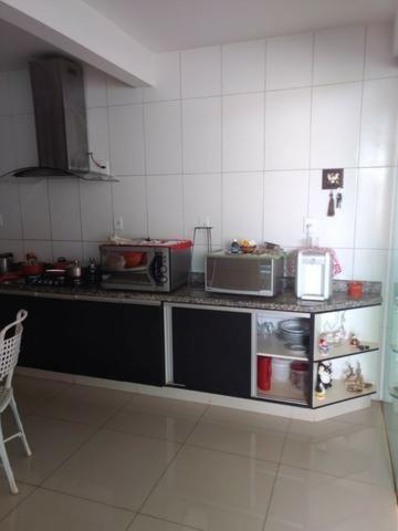 Casa 4 quartos | Piscina e ampla espaço de garagem | R$ 750 mil - Foto 7