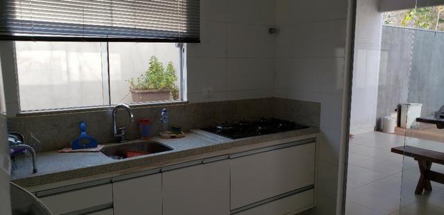 Com 03 quartos bairro Morada dos Deuses Próximo a U C D B - Foto 8