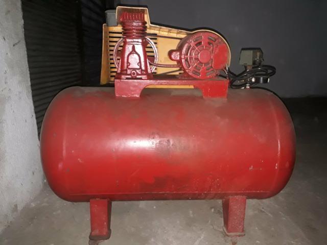 Compressor de ar 5,2 pés 140 libras