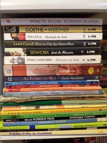 Livro de literatura 15 reais cada