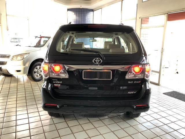 Toyota Hilux SW4 SRV_3.0D4-D_AUT._4X4_7LgareS_ExtrANoA_LacradAOriginaL_RevisadA - Foto 4