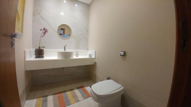 Casa Condominio Fechado, Alto Padrão com 04 Suítes, em Caldas Novas GO - Foto 16