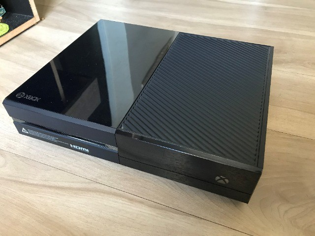 Xbox One + Kinect + Controle + Fone De Ouvido Oficial - Foto 2