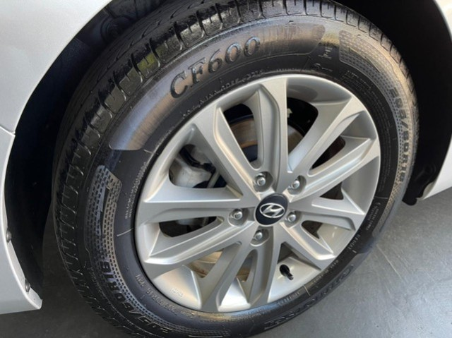 Hyundai Elantra 2.0 flex automatico 40 mil km - Foto 16