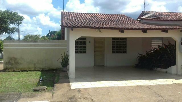 Vendo Excelente casa no Condomínio Aquarius