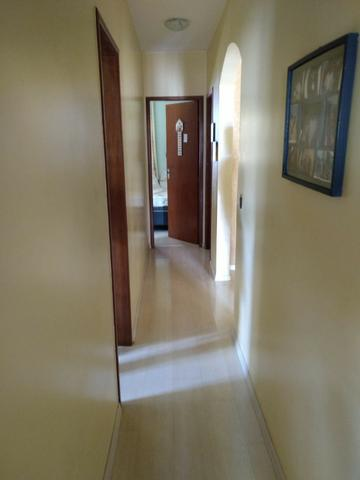 Casa 4 quartos | Piscina e ampla espaço de garagem | R$ 750 mil - Foto 9