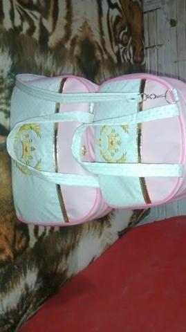 Vendo duas bolsas novinha usada apenas uma vez para saír da maternidade maternidade