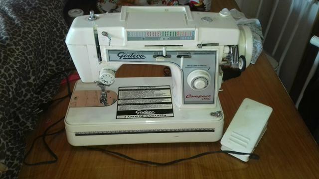 Maquina de bordar e costura