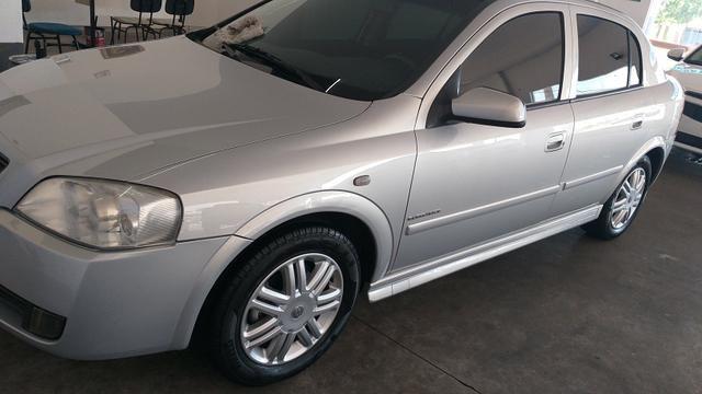 GM Astra 2005/05 Elegance Flex 2.0 Prata hatch
