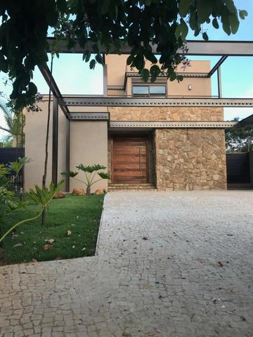 Lindo Sobrado em Condomínio Fechado em Bonfim Paulista com 4 suítes