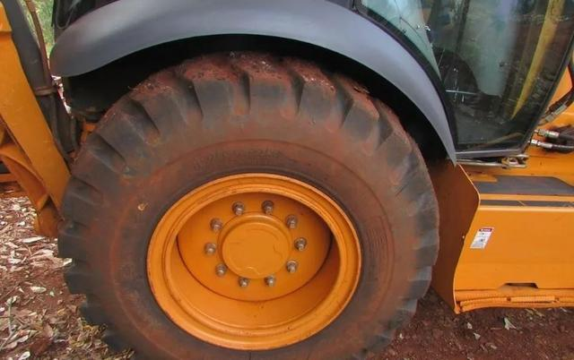 Retroescavadeira Case 580n 4x4 - Foto 4