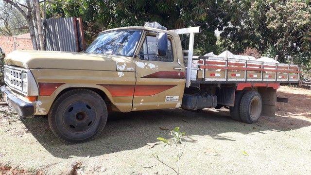 Caminhão f 4000