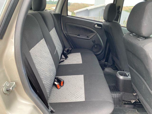 Fiesta 2012 Hatch 1.6 Completo + Multimídia e sensor de Ré - Foto 7